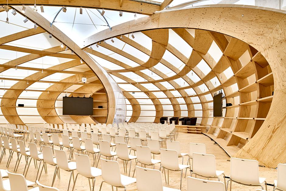 http://www.architekturzeitung.com/azbilder/2018/1810/schneider-schumacher-buchmesse-frankfurt-pavilion-03.jpg