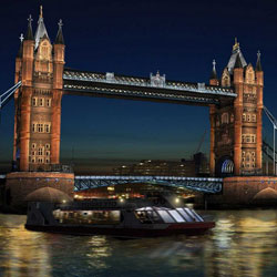 Beleuchtung der Tower Bridge in London
