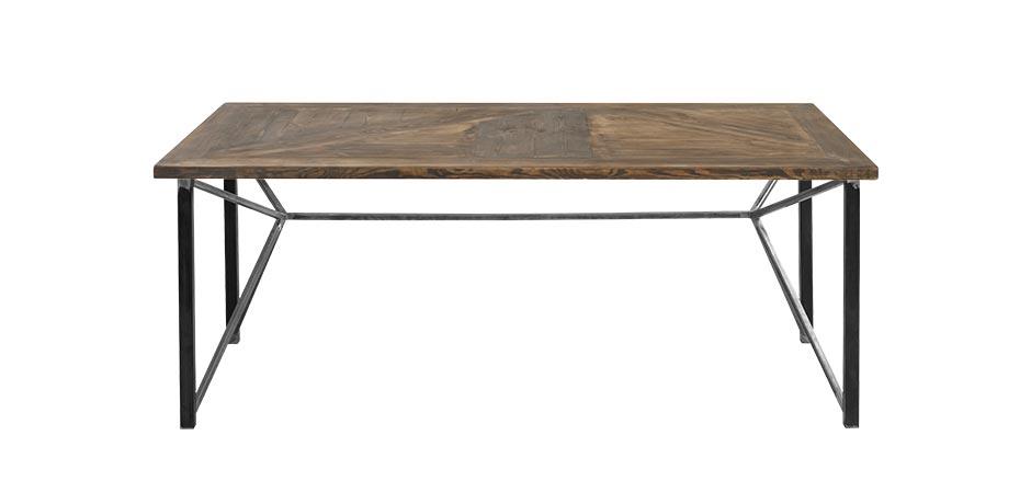 Aus Bauholz werden Möbel