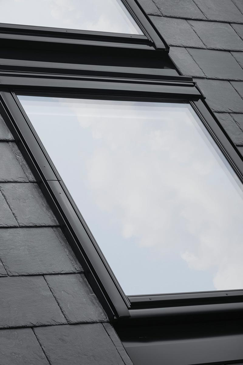 velux schwingfenster black 05